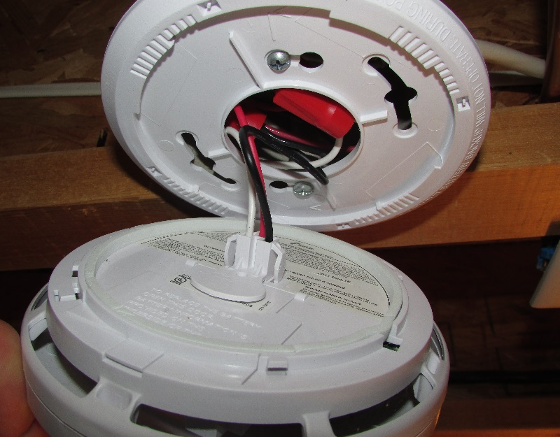 Hardwired smoke alarm