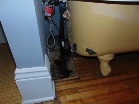 Leaking clawfoot tub