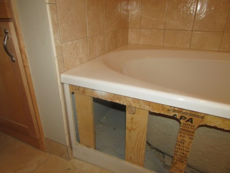 Plumbing - bath tub leak 1