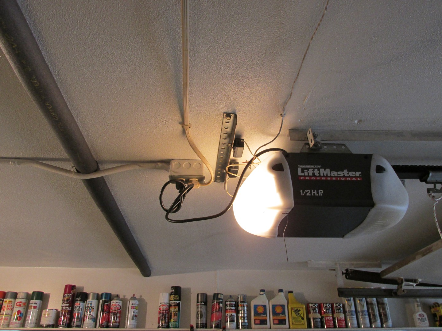 The most common garage door opener issues | American Society