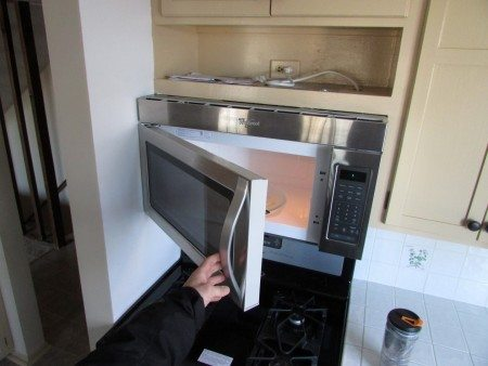 Microwave won't open