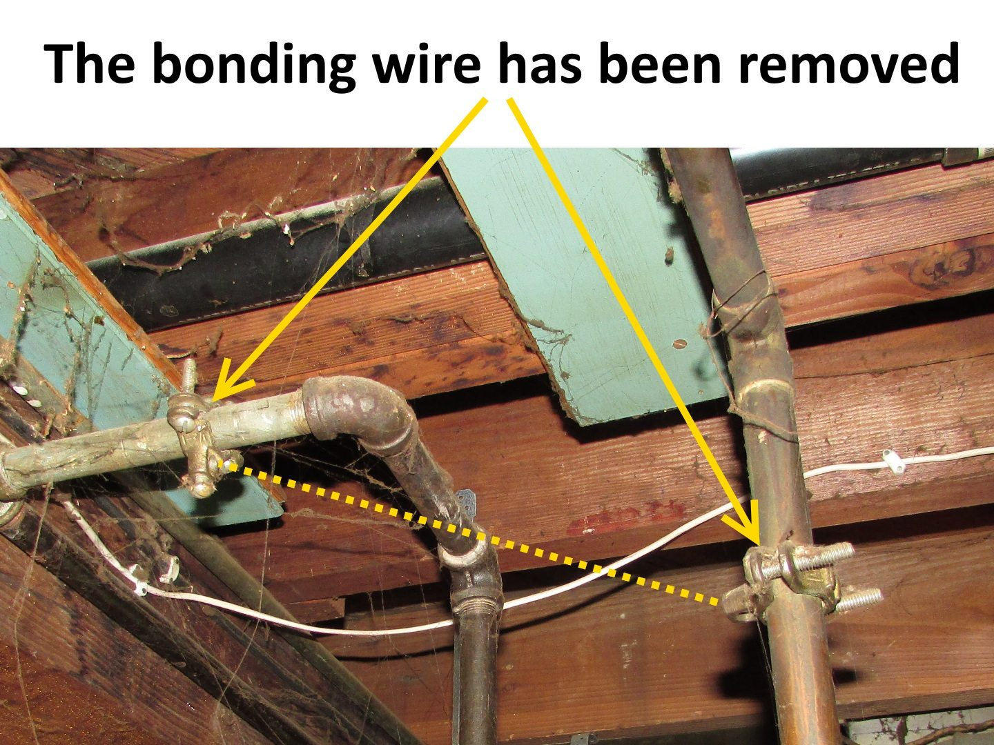 Bonding Gas Piping Structure Tech Home Inspections Running Electrical Wiring At So You Get What We Had Here Last Week I Have Pictured Below There Used To Be A Wire Connected Those Clamps But Someone Removed It